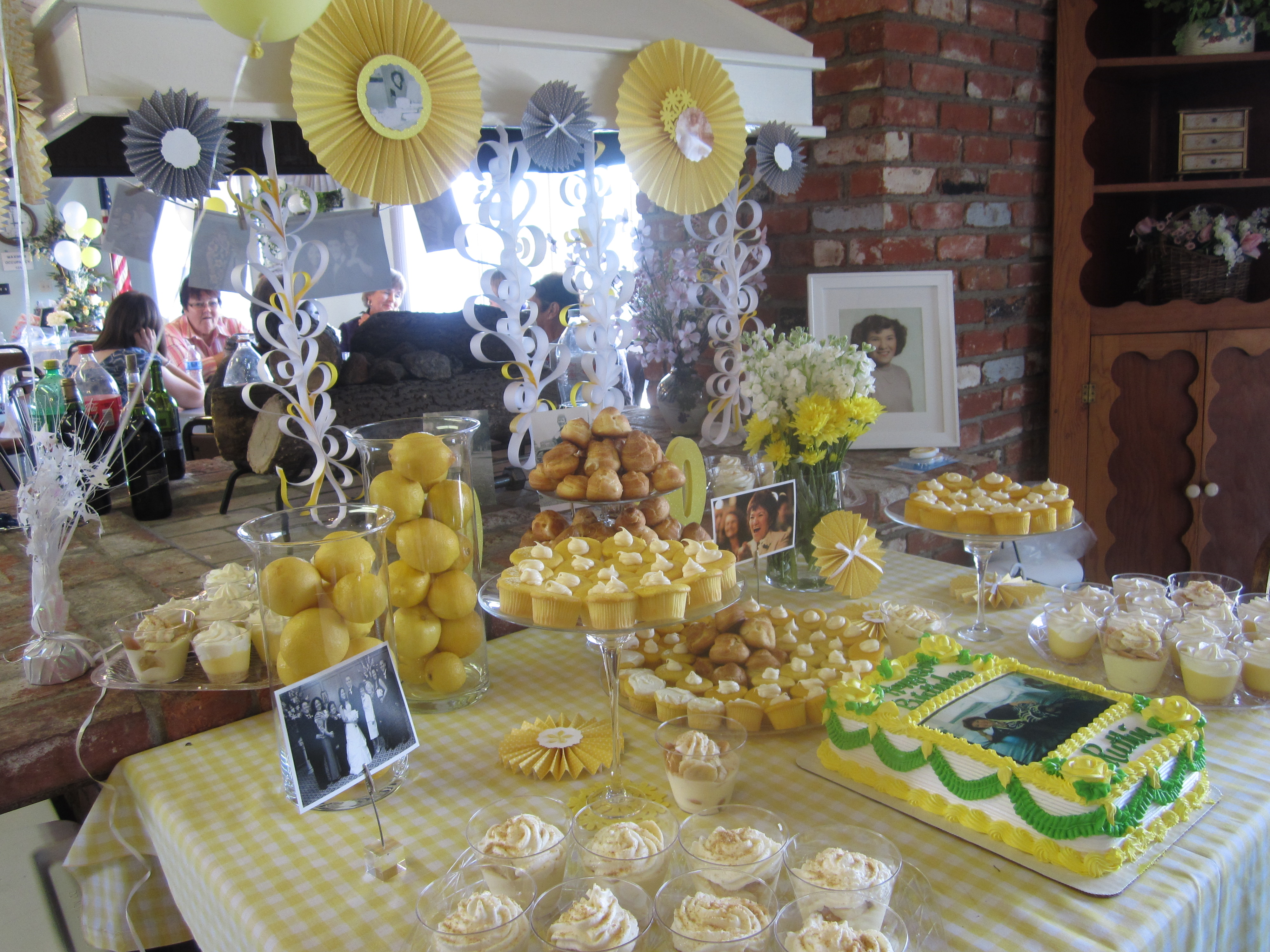 35 Memorable 80th Birthday Party Ideas